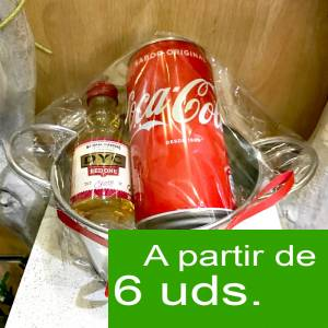 EN KITS DE REGALO - Pack Whisky DYC Cherry 5cl + Coca Cola 25cl + Cubo de metal+ Etiqueta